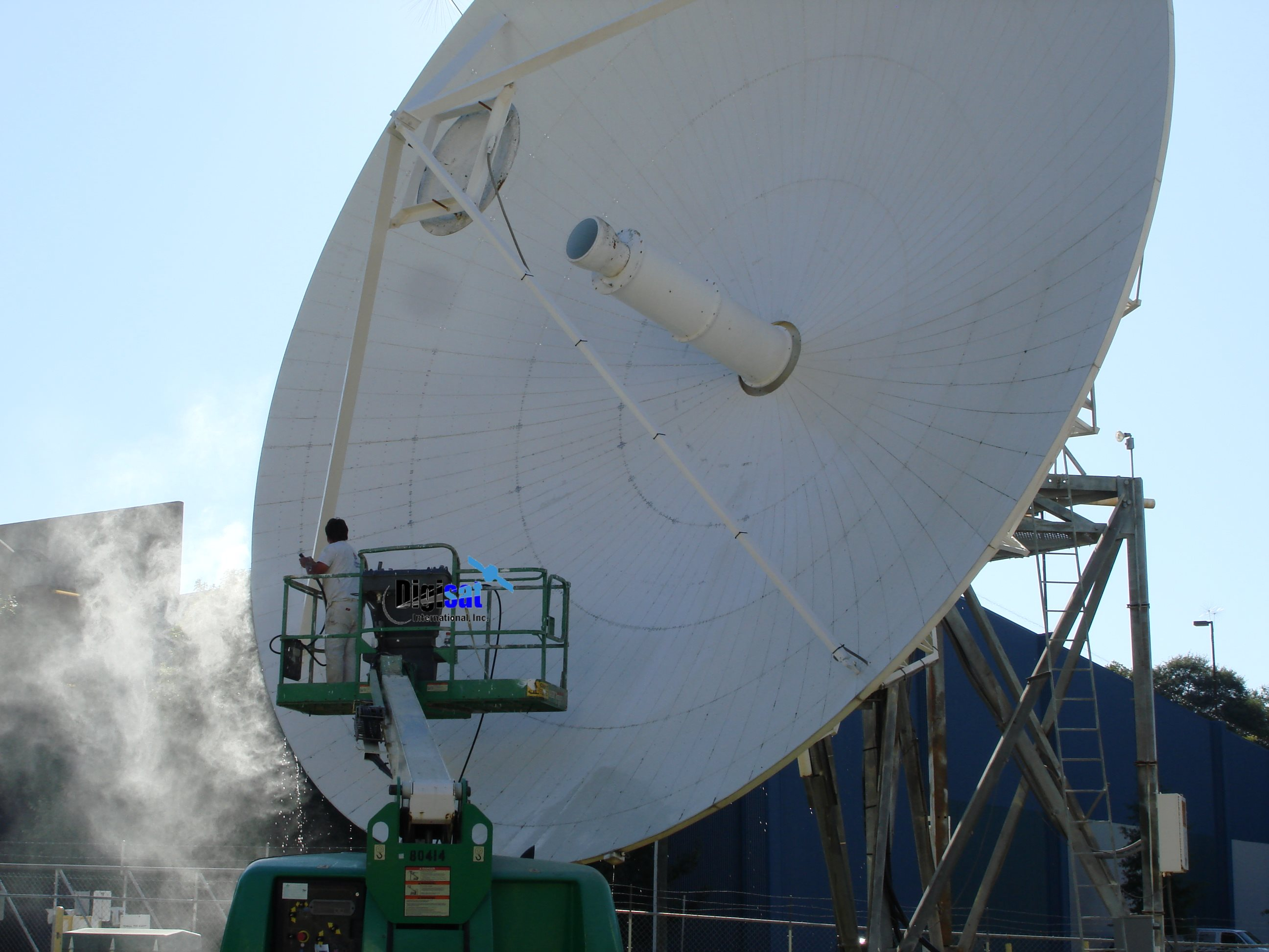 Satcom earth station antenna painting service