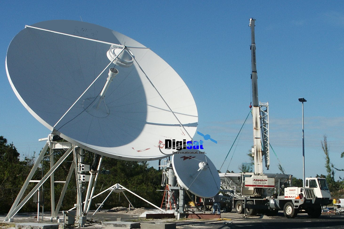 Satellite Earth Station Antenna Repair Services